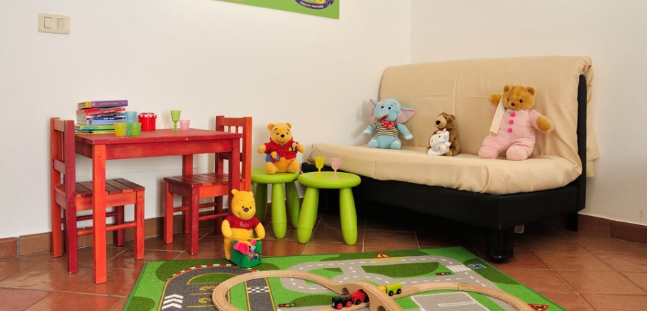 Aree giochi per bambini con parchi divertimento vicini